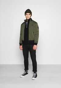 Calvin Klein Jeans - ZIP UP HARRINGTON - Bombertakki - deep depths - 1