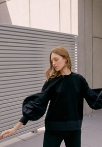 Victoria Victoria Beckham - BLOUSON SLEEVE TOP - Long sleeved top - black - 2