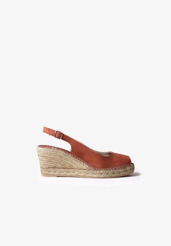 CALPE - Sandals - brandy