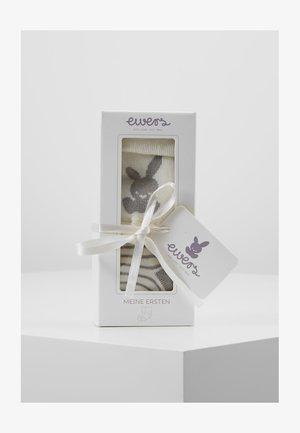 NEWBORN WELCOME BABY 2 PACK - Socks - latte/silber