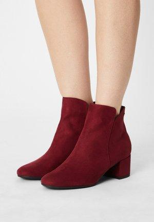 Boots à talons - dark scarlet