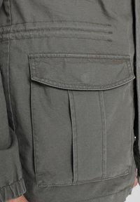 Scalpers - Leichte Jacke - khaki - 5