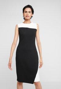 DKNY - COLORBLOCK DRESS - Pouzdrové šaty - ivory/black - 0