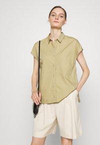 CLOSED - RACHEL - Button-down blouse - green bark - 3
