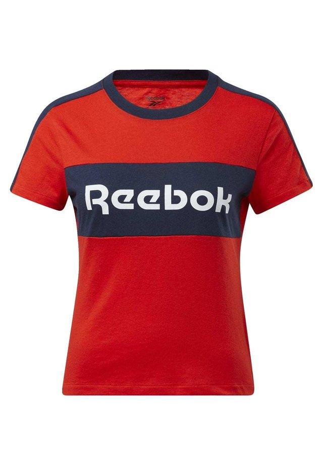 TRAINING ESSENTIALS LINEAR LOGO DETAIL T-SHIRT - T-shirt imprimé - red