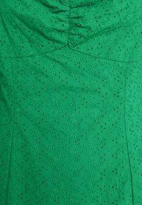 Glamorous Petite - BRODERIE MINI DRESSES WITH PUFF SLEEVES - Korte jurk - green - 2