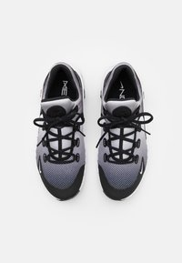 Nike Performance - FREE METCON 4 UNISEX - Treningssko - white/black - 3