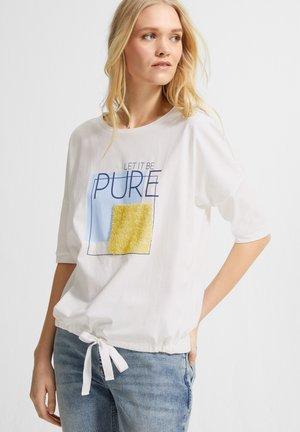 DURCHZUGBAND - Print T-shirt - white great things print