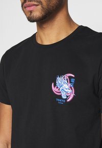 YOURTURN - UNISEX - Print T-shirt - black - 4