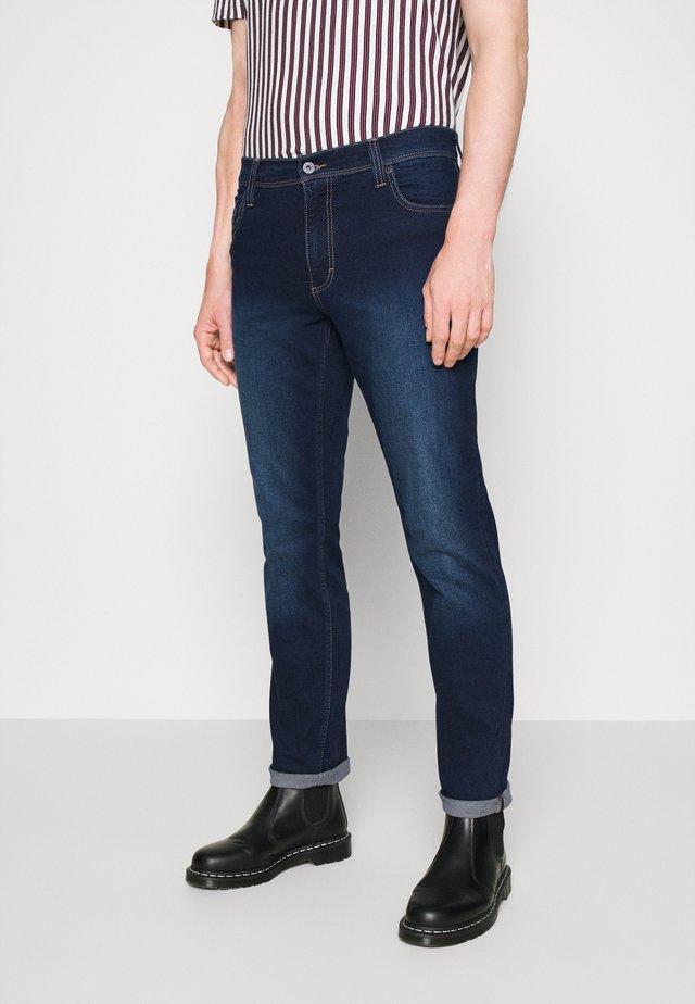 WASHINGTON - Slim fit jeans - dark-blue denim