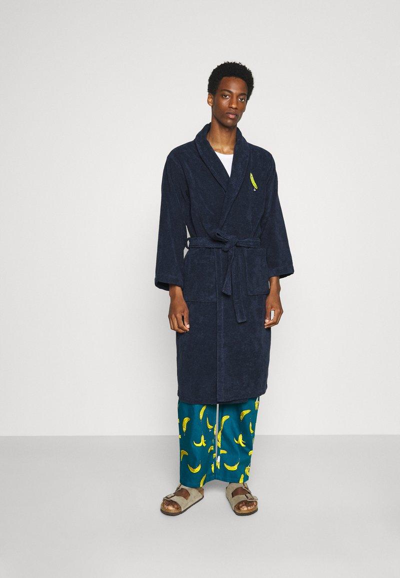 Lousy Livin Underwear - BATHROBE PYJAMA PANTS BANANAS SET - Župan - blue
