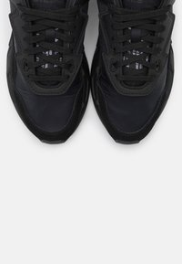 Diesel - SERENDIPITY S-SERENDIPITY LC W SNEAKERS - Trainers - black - 5