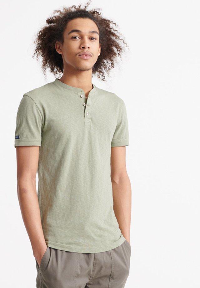 HERITAGE  - Basic T-shirt - oil green