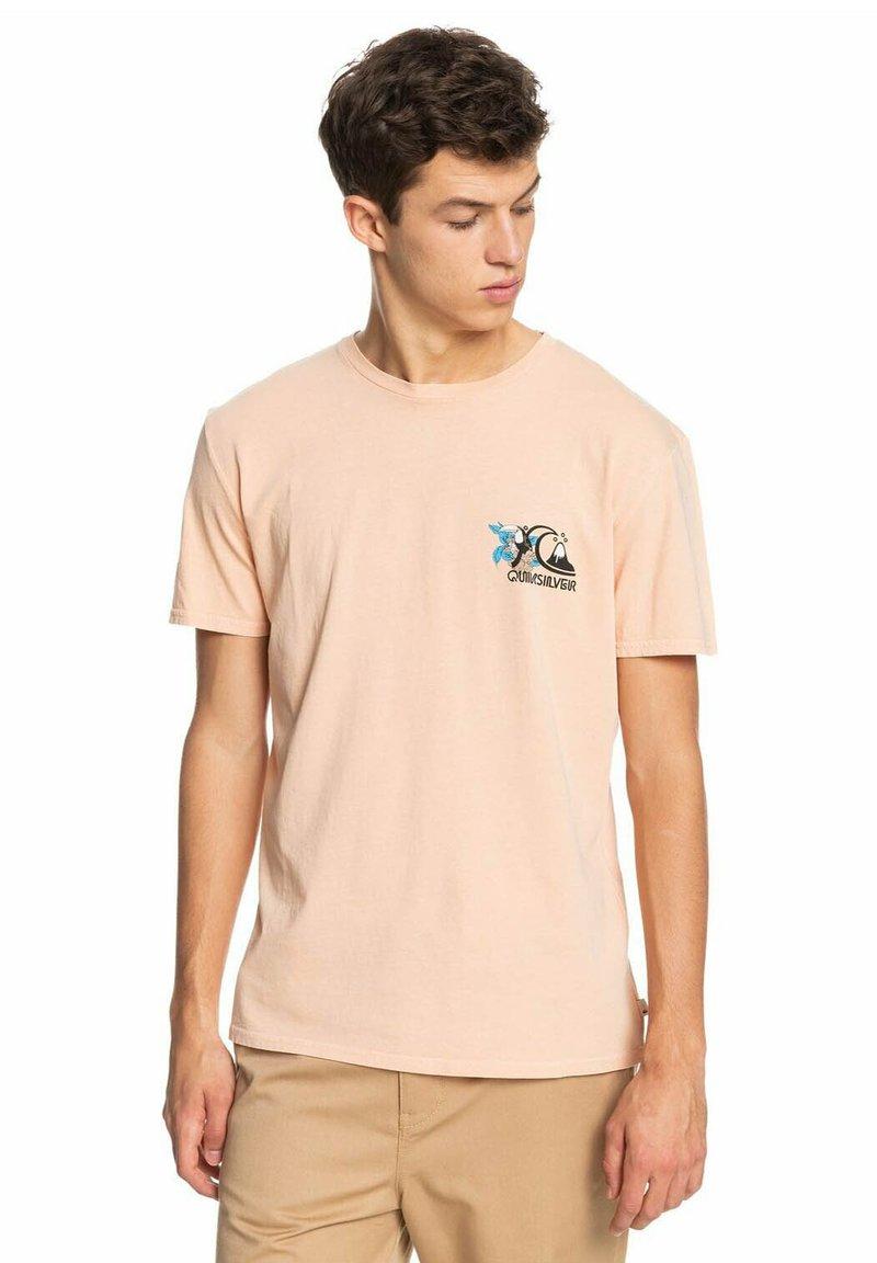 Quiksilver - INFORMAL DISCO - Print T-shirt - apricot