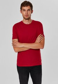Selected Homme - SHDTHEPERFECT - T-paita - red - 0