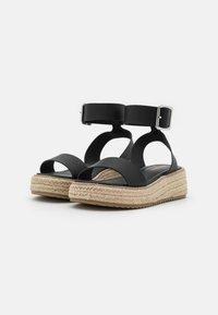 Emmshu - FABY - Korkeakorkoiset sandaalit - black - 2