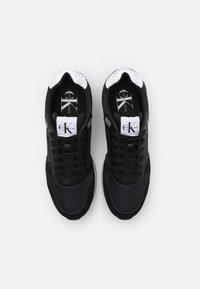 Calvin Klein Jeans - RUNNER LACEUP - Zapatillas - black - 3