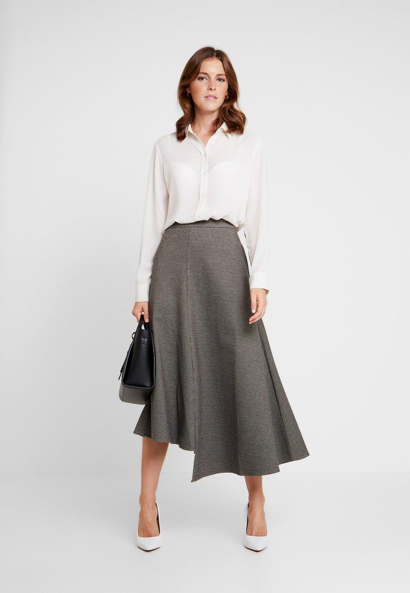 Apart - GLENCHECK SKIRT - Maxi skirt - cream/taupe