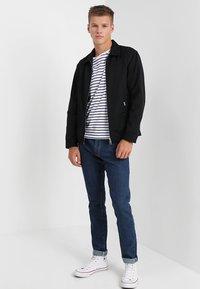 Wrangler - LARSTON - Slim fit jeans - darkstone - 1