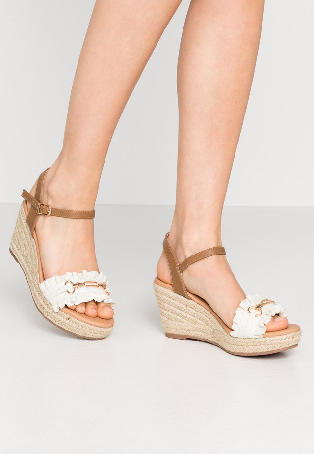 WHISTLE - Espadrilky - white
