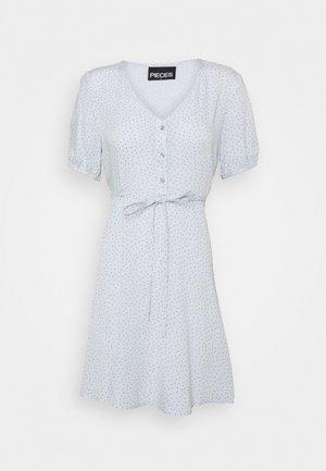 PCSILKE TIE DRESS CAMP - Day dress - plein air