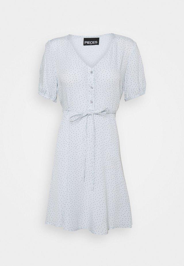 PCSILKE TIE DRESS CAMP - Sukienka letnia - plein air