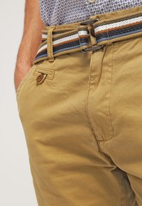 INDICODE JEANS - ROYCE - Shorts - amber - 3