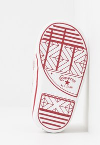 Converse - CHUCK TAYLOR ALL STAR CRIBSTER - Dětské boty - white/garnet - 5