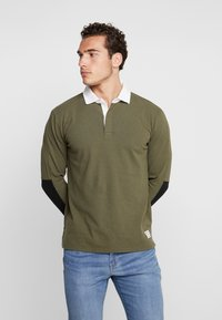 Levi's® - MIGHTY MADE RUGBY  - Piké - olive night/ black/natural - 0