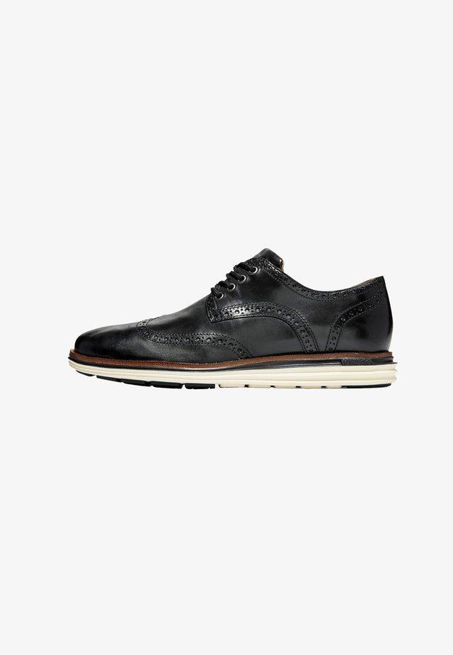 LUX - Veterschoenen - black leather