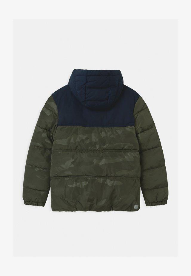 Zimní bunda - khaki/oliv