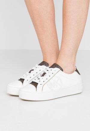 KIRBY LACE UP - Zapatillas - optic white/brown