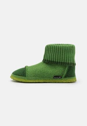 TAL UNISEX - Domácí obuv - grün