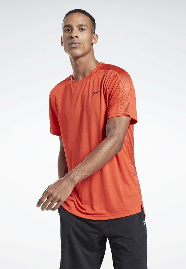WORKOUT READY TECH - T-shirt sportiva - red