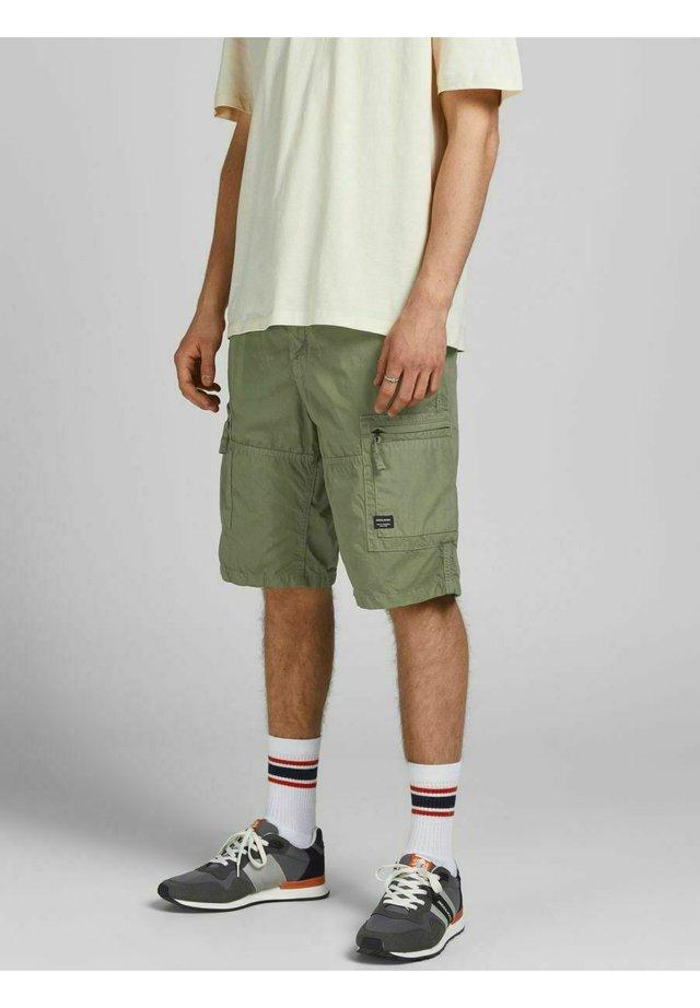 NOAH - Shorts - deep lichen green