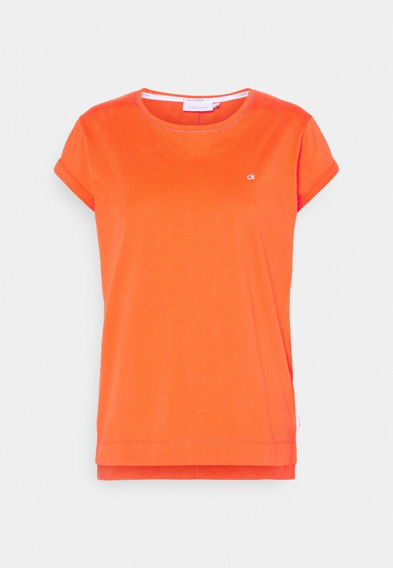 Calvin Klein - TURN UP - T-shirts - fiesta