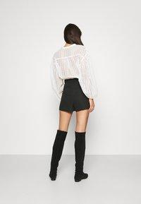 Claudie Pierlot - ELGA - Shorts - noir - 2