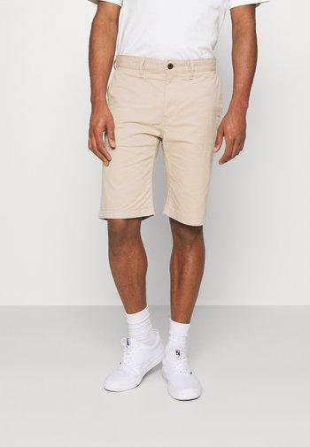 ETHAN - Shortsit - soft beige