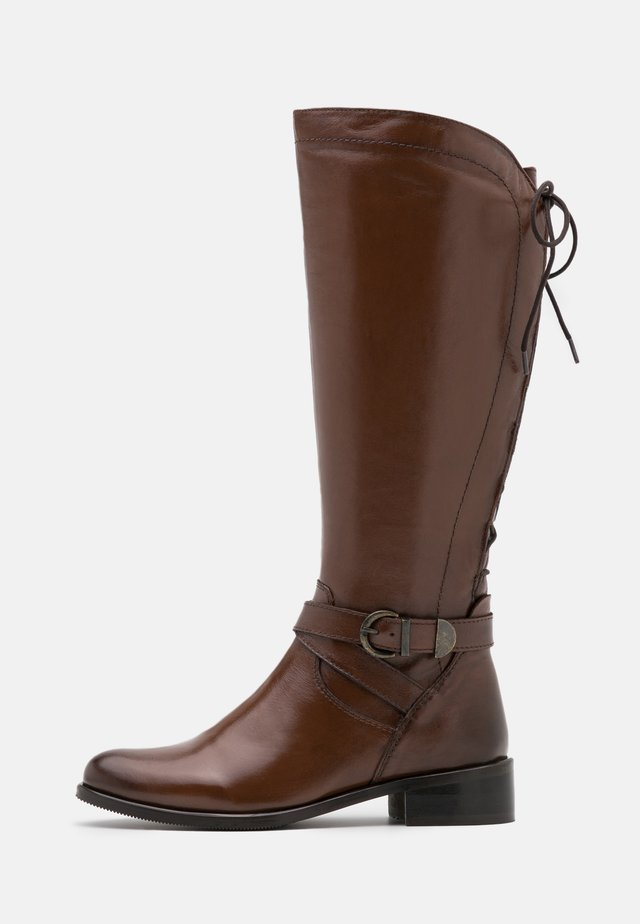 SABRAVI - Vysoká obuv - cognac