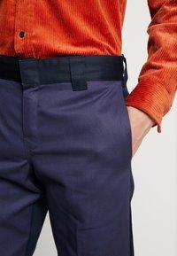 Dickies - EZEL - Spodnie materiałowe - navy blue - 6