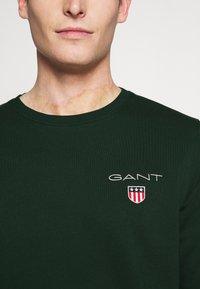 GANT - MEDIUM SHIELD CNECK - Sweatshirt - tartan green - 4