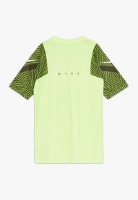 Nike Performance - Print T-shirt - ghost green/cargo khaki/white - 1