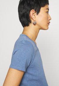 Marc O'Polo DENIM - SHORT SLEEVE CREWNECK SLIM FIT - Basic T-shirt - blue fantasy - 3