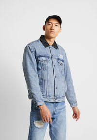 Levi's® - RVS PADDED TRUCKER - Giacca di jeans - surprise - 0