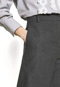 See by Chloé - Shorts - charcoal black - 3