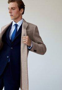 Mango - Short coat - middenbruin - 5