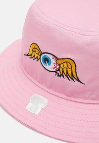 Von Dutch - BUCKETEYEBALL UNISEX - Hat - pink - 2