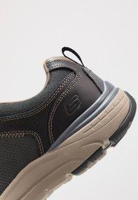Skechers - SENTINAL - Sneaker low - black - 5