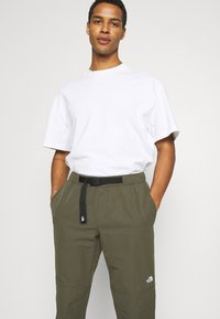 The North Face - PULL ON PANT - Kalhoty - new taupe green - 3