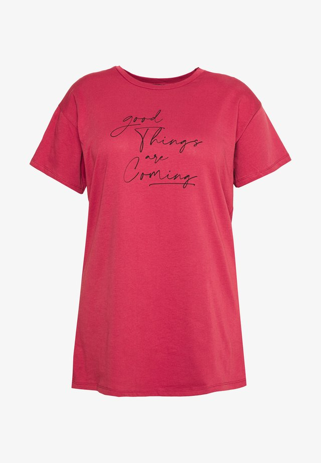 GOOD THINGS ARE COMING TEE - Print T-shirt - pink niu